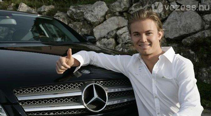 Rosbergnek több Mercedese is van