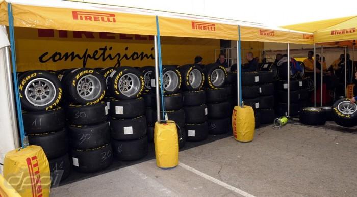 MotoGP, GP3, GP2, F1 - mindent visz a Pirelli?