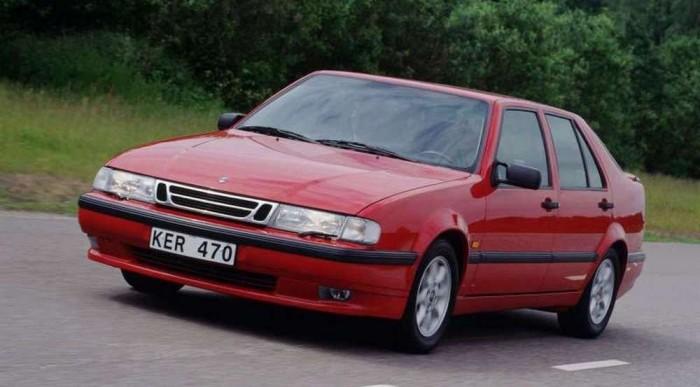 Nagy értékű 9000-es Saab, 200-300 ezer forintért adnak egyet