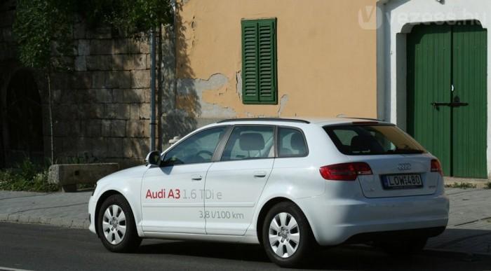 A háromajtós 99, a Sportback 102 g CO2-t ereget kilométerenként a szabvány szerint