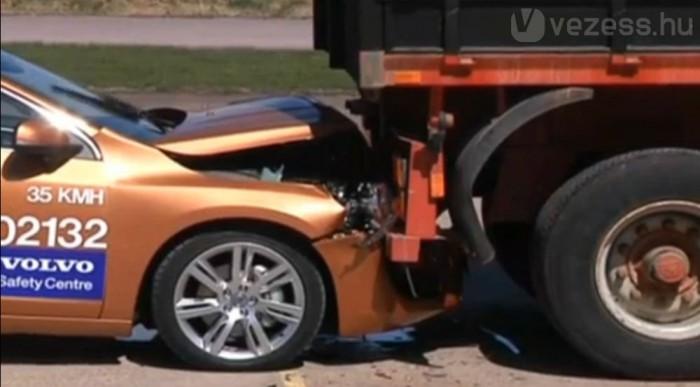 A dummynak hiába szólt az autó, hogy rossz a szenzor