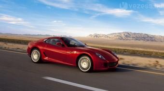 Új roadstert készít a Ferrari