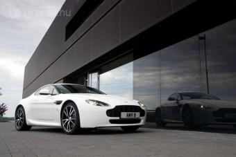 Versenyre született Aston Martin