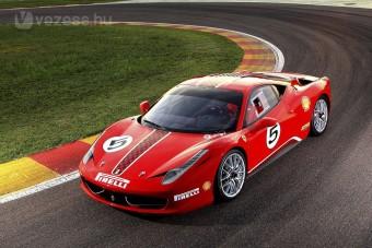 Itt az új verseny-Ferrari