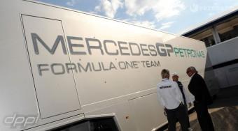 F1: Kit választ a Mercedes?