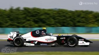 F1: A hátsó ajtón jöhet az új csapat?