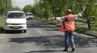 Szennyező autókra vadásznak az utakon