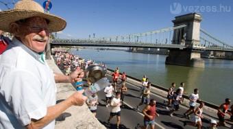 Több főutat lezárnak vasárnap Budapesten