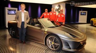 Ferrari-ritkaságot fogtak a magyar határon