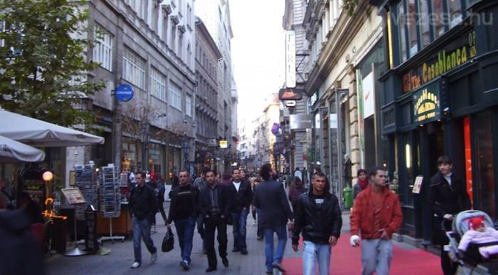 A gyalogosoknak adják a belvárost