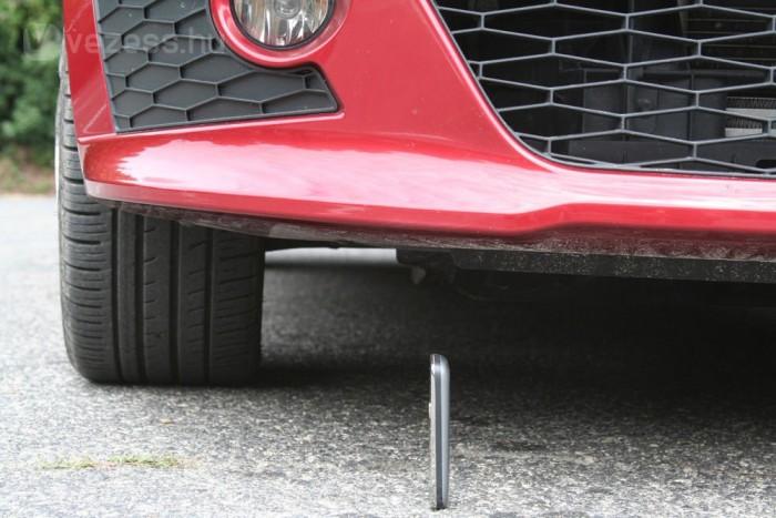 Nem vészesen alacsony a Cupra, jól használható, harmonikus autó