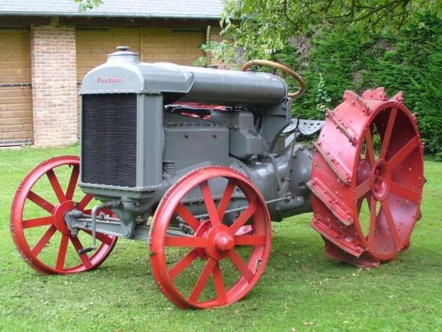 Egy szépen felújított Fordson Model F