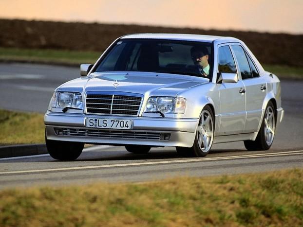 Mercedes-Benz 500 E, amikor még nem ítélték el a magas fogyasztású autókat