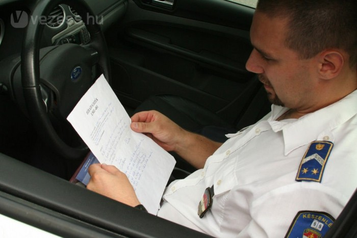 Gondos hibalistát kell vezetni a rendőröknek, még a felni karcairól is