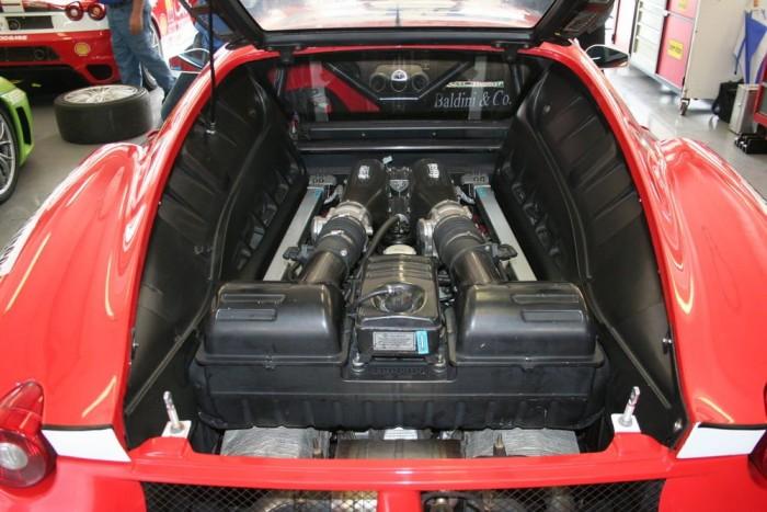 Egy F430 szíve. Teljesen megegyezik a közútra épített motorokkal.