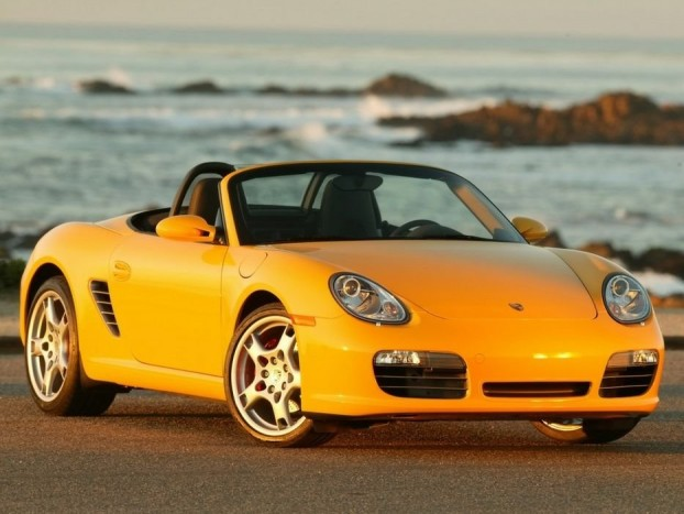 A középmotoros Boxster a Porsche által kínált legkisebb autó