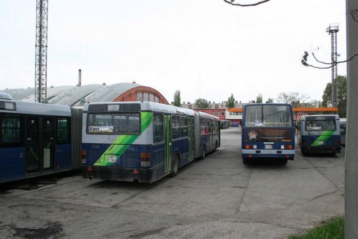 Részecskeszűrők felszerelésével csökkentené az LMP a nem Euro 4-es vagy 5-ös buszok füstokádását