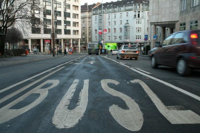 Közös ígéret további buszsávok kialakítása
