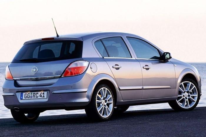 105 lóerővel kezdte az Astra 1,6 Enjoy, 2005-ben 3 909 000 forintért