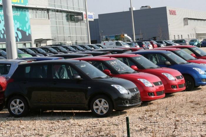 Suzuki Swift 1,3 GLX AC CD: Listaár 2005. 10 - 2 775 000 Ft, listaár 2010. 09. 3 444 000 Ft. Legalacsonyabb: 2 505 000 Ft, 2009. 04-05-ig, legmagasabb: 3 444 000 Ft, 2010 02-től