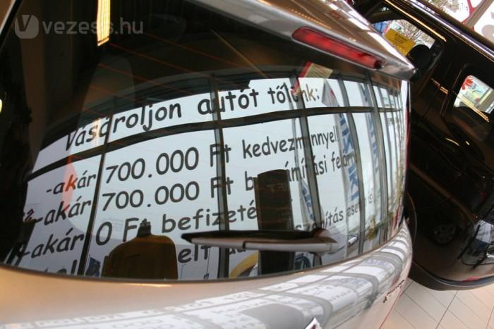 Nagy engedménnyel többször is volt 2,7 millió forintért ötajtós Swift 1,3 GLX AC CD