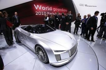 Hibrid roadster az Auditól