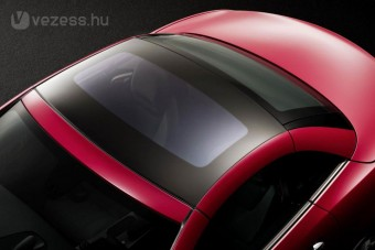 Spéci üvegtető az új Merci roadsterhez