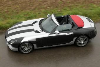 Első képek a Mercedes szuperroadsteréről