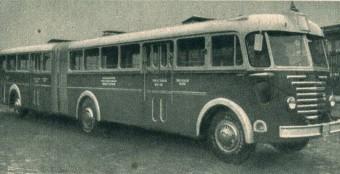 Kiállítás az 50 éves csuklós busznak