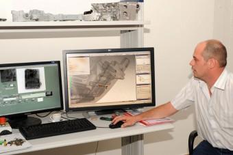 Röntgennel kutatják a motort az egyetemisták