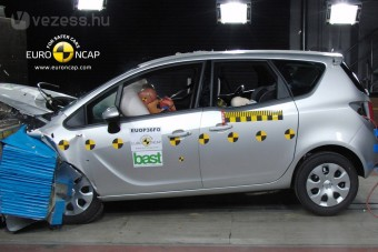 Fura gyerekülésezéssel is ötös az Opel Merivának