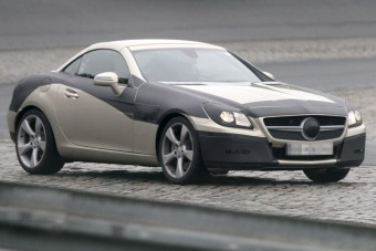 F1-sztár az új Merci roadsterben