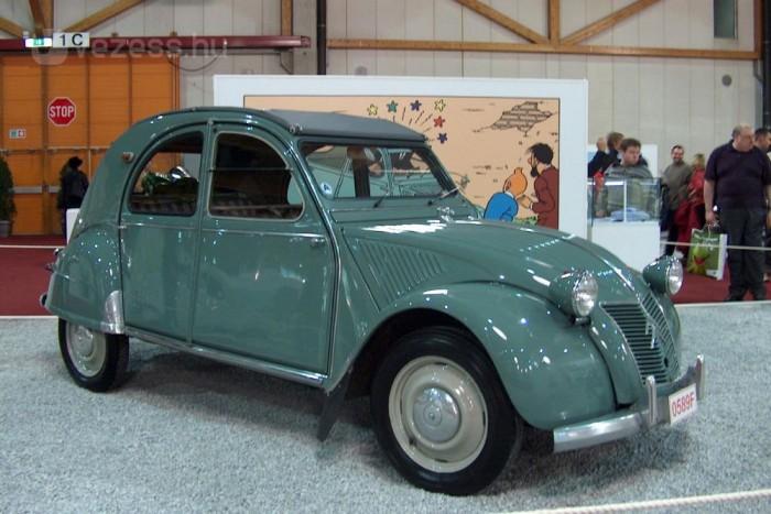 A gyártás 1949-ben kezdődött el. Ez a példány abból az évből származik.