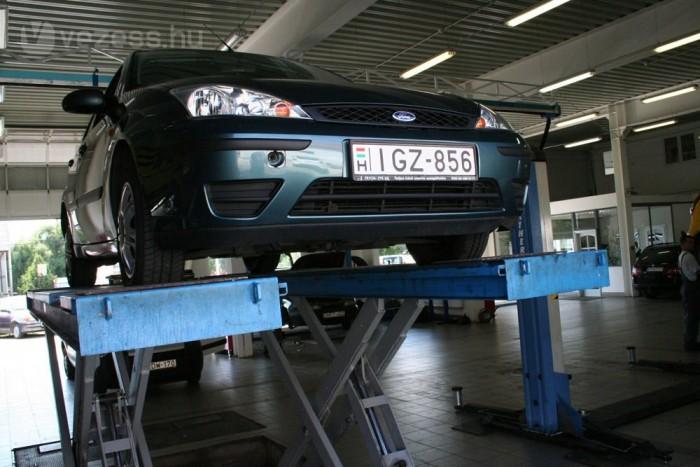 Benzinből 8, autógázból 9,5 literes fogyasztással számolva mai árakon 24 500 km után jön vissza az LPG beépítése. Mivel a negyedmillióval kalkulált gázszett növeli az autó értékét, a megtérülés még gyorsabb