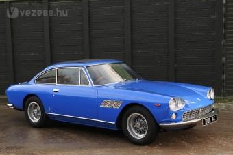 Árverésen John Lennon első autója