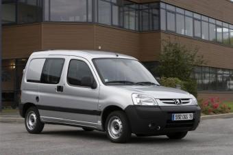 Munkában a Peugeot villanyautói
