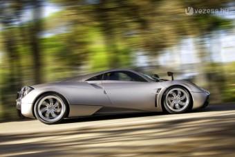 Süvítve szól az új Ferrari-gyilkos