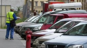 Új parkolási rendszert akarnak civilek