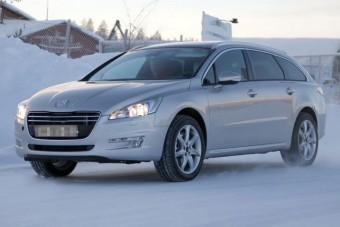 Érkezik a 4x4-es hibrid Peugeot