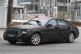 Mercedes S-osztály: 74 g/km CO2 kibocsátás