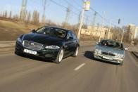 Rendőrök bikázták be a román luxuskocsit az M1-esen 1