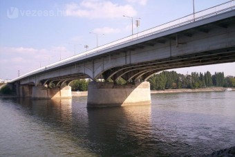 Forgalomkorlátozás az Árpád hídon