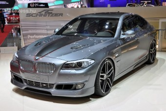 BMW M5 pótlék