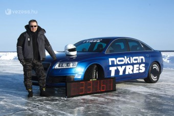 330 felett Audival jégen