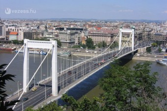Lezárás az Erzsébet hídon