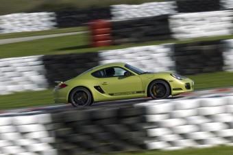 Exkluzív: Ilyen vezetni a Porsche pitbullját