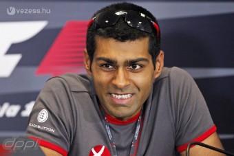 F1: A Lotushoz igazolt az indiai pilóta