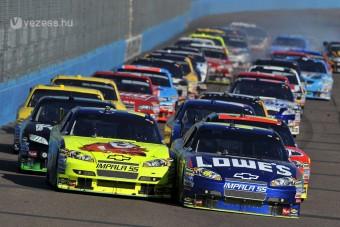 Kimi nem saját csapattal megy a NASCAR-ba