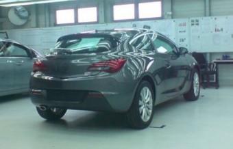 Lebukott a 3-ajtós Opel Astra