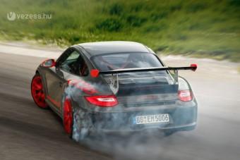 Durva változattal búcsúzik a Porsche